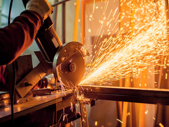 Top 4 Non-Tech Manufacturing Trends in 2018