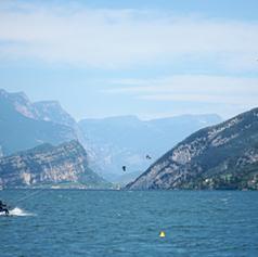 Kite-surfing.png