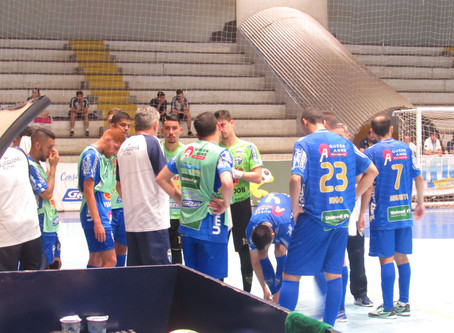 Umuarama Futsal inicia fase mata-mata pelas quartas de finais do Paranaense