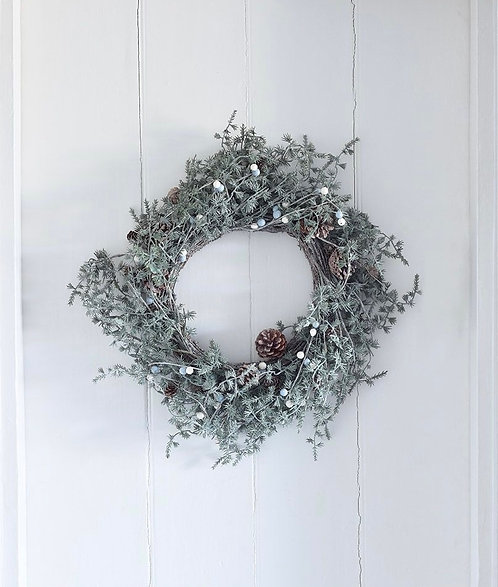 Faux Winter Christmas Wreath