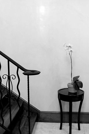 Black and white image of a foyer