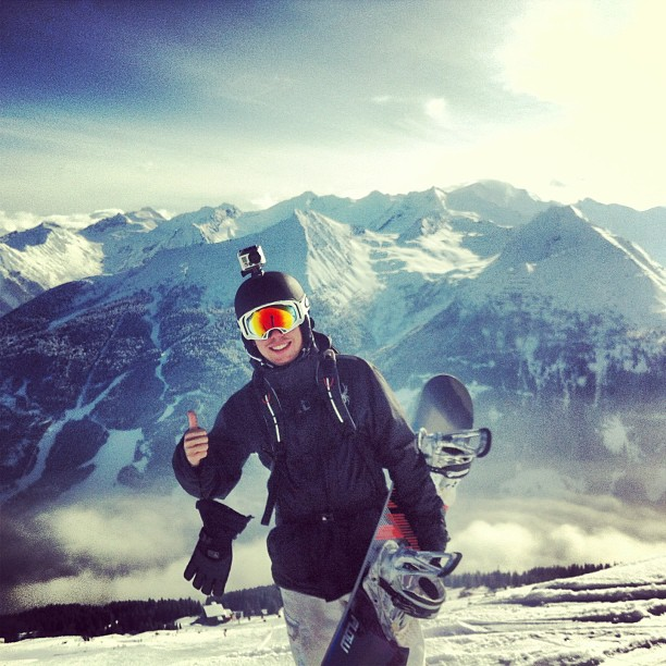 Valentine's day doing what I truly love! #badgastein #alps #austria #love #snowboarding