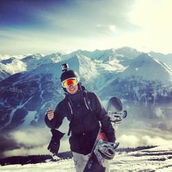 Valentine's day doing what I truly love! #badgastein #alps #austria #love #snowboarding