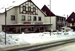 Schuhaus Knese Winter 1984-85.jpg