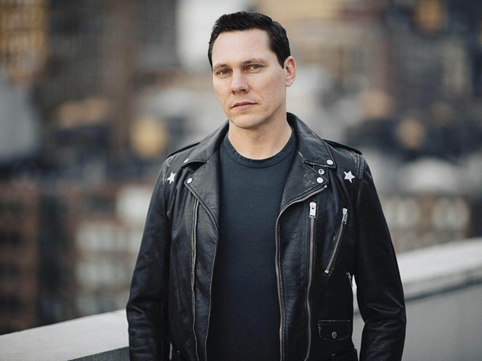 tiesto-promo-photo-1-credit-jordan-loyd-