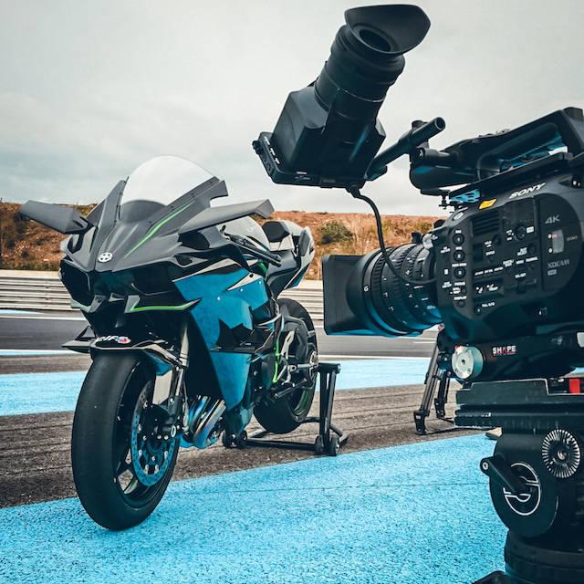 tournage_vidéaste_circuit_moto_vidéo_pub