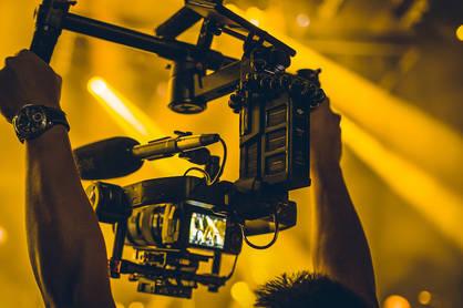 tournage_vidéaste_prise_de_vue_concert.j
