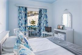 room_edited.jpg
