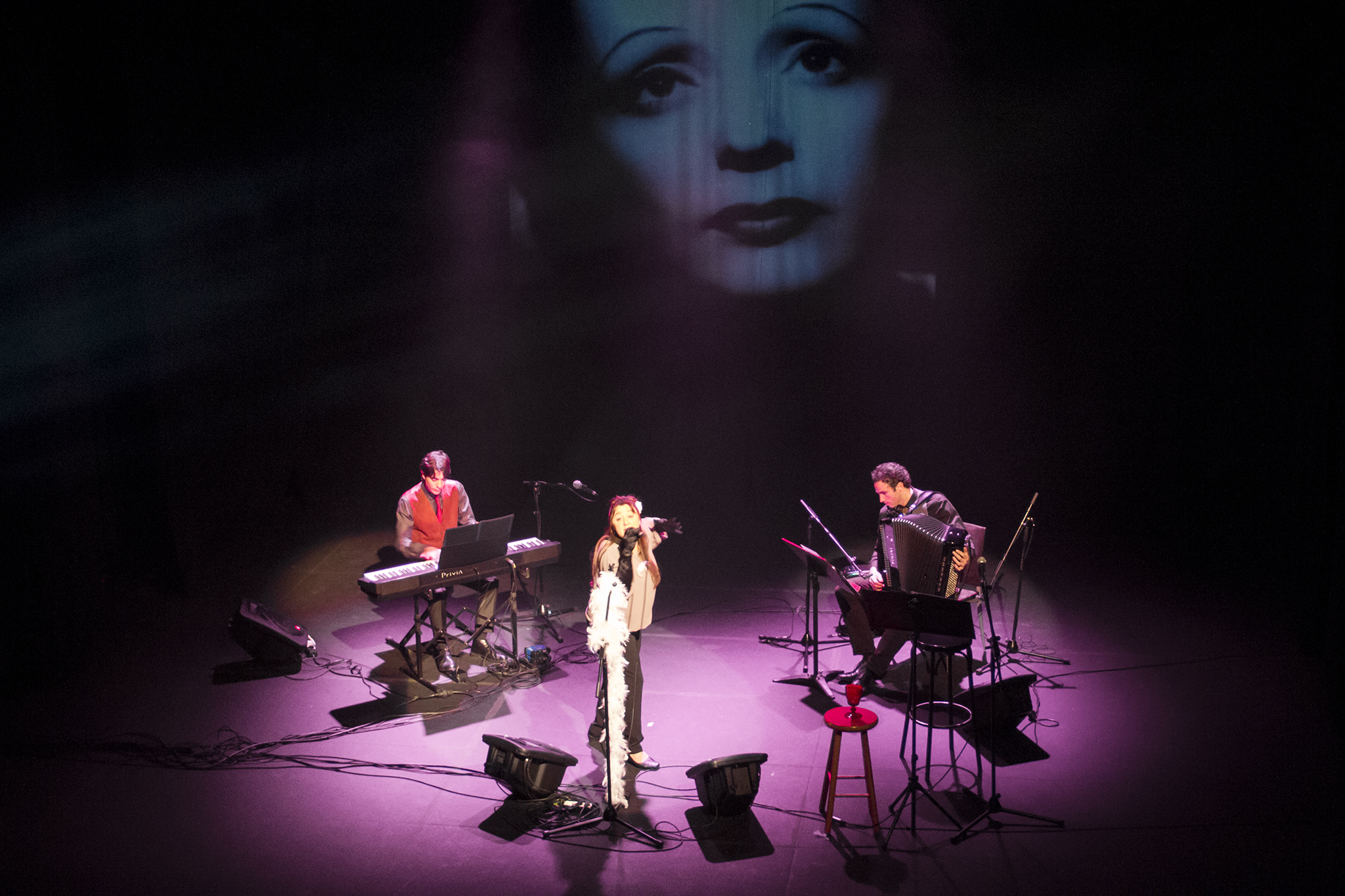 Edtih Piaft Trio 3
