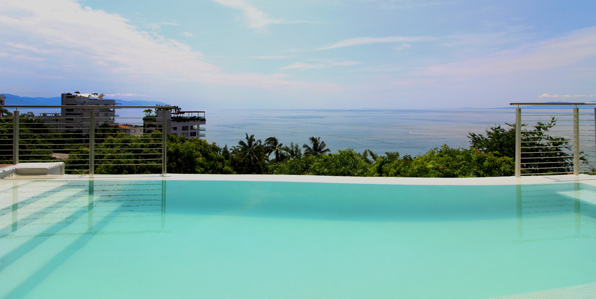 POOL VIEW TO THE OCEAN.jpg