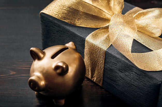 Black and gold gift wrapping.jpg