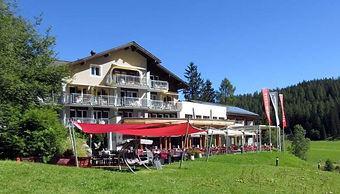 Hotel Seebüel im Sommer