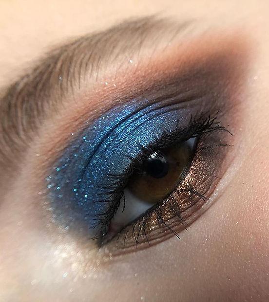 I use _makeupatelierparisuk Eyeshadow Pa