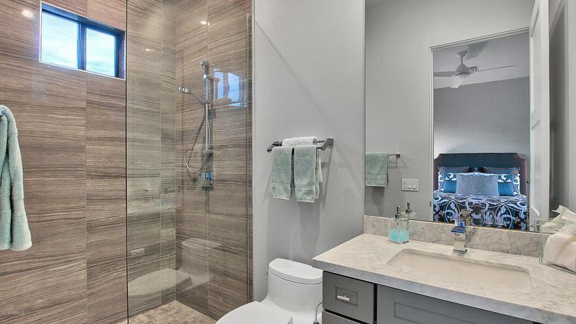 Bernell - Bathroom