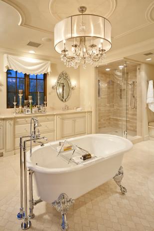 Solcito - Master Bathroom
