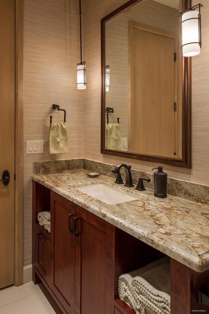 Hoecker - Bathroom