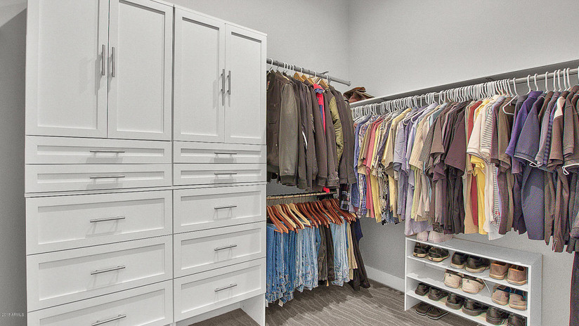 Bernell - Master Closet