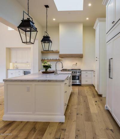 374 - Kitchen