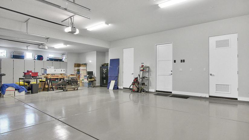 Bernell - Garage