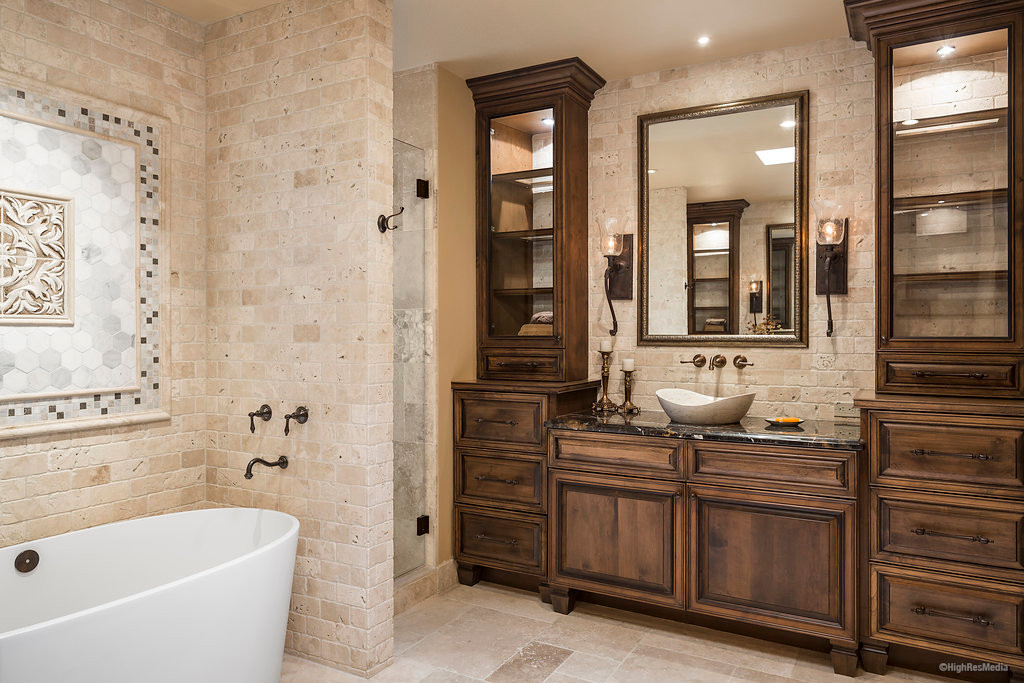 Childers - Bathroom