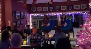 Live entertainment at Bella's