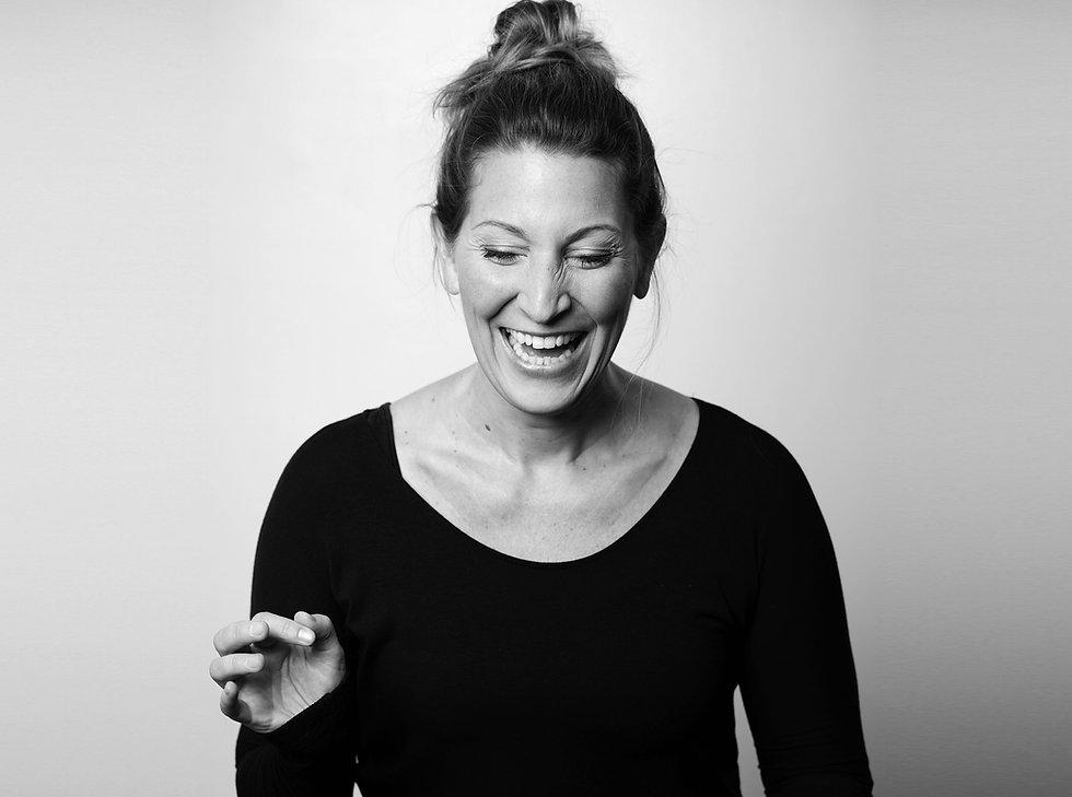 Pamela-Neuffer_sing_enjoy-your-voice-gra