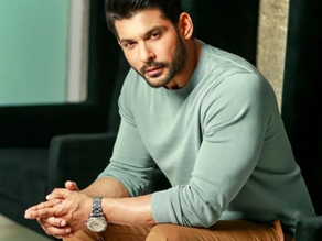 Siddharth Shukla, the Big Boss 13 winner, died at 40, due to a massive heart attack.