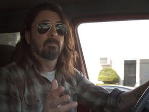 Documentário do líder do Foo Fighters é obrigatório para quem curte rock