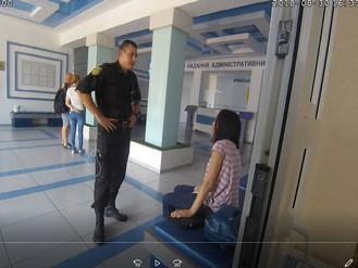 Інспектори патрульної служби допомогли жінці