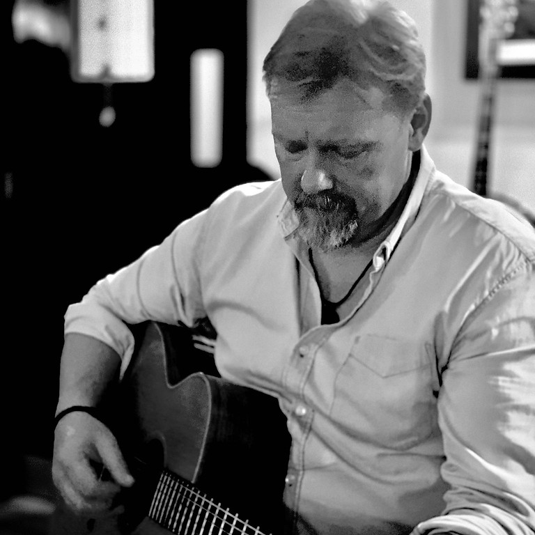 Music and Song Session with Colin Urwin and Friends