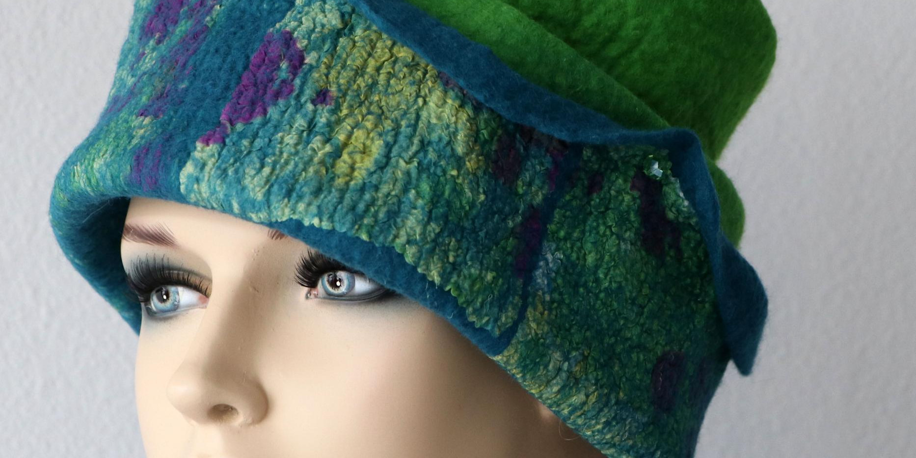 Tiwisted Hat
