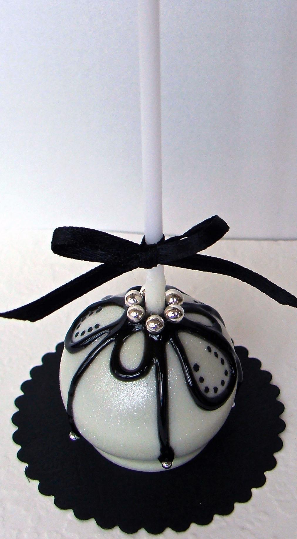 Black and White Cake Pop