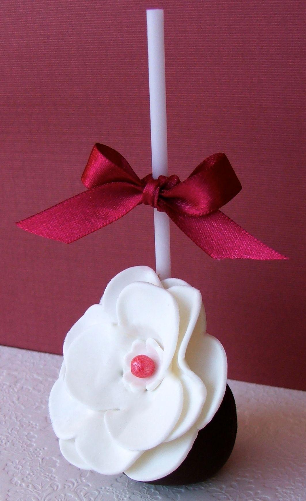 White Large Flower Cake Pop
