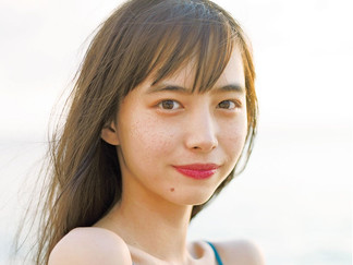 Hiroe Igeta Release Her First Calendar Book