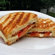 Deluxe Grilled Cheese