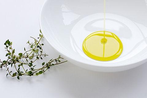 サンダース・ペリー化粧品こだわり〈厳選された植物成分とエッセンシャルオイル〉