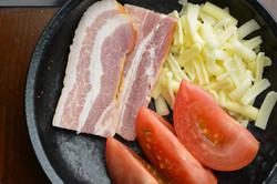 ベーコン・トマト・チーズ