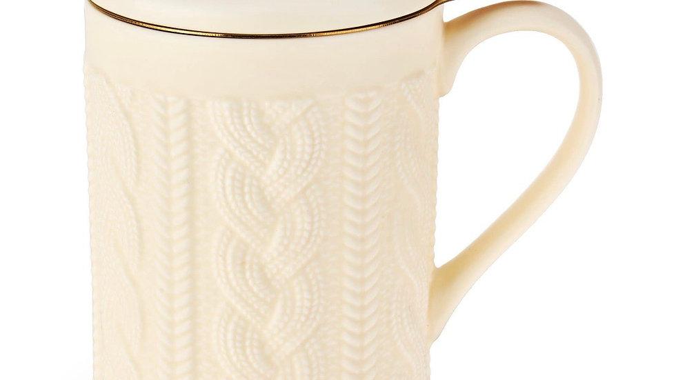 Knit tea mug with infuser
