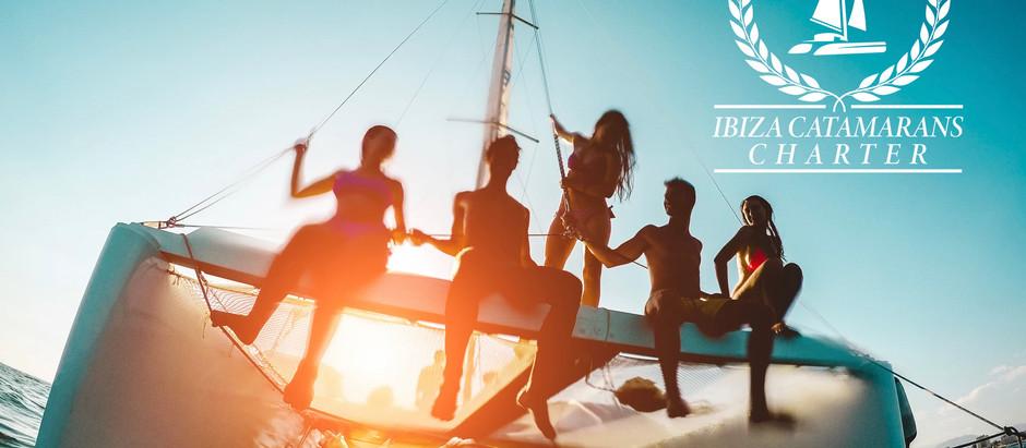 ¿Conoces algo, sobre el alquiler  catamaran Ibiza?El catamarán es la clase de embarcación perfecta