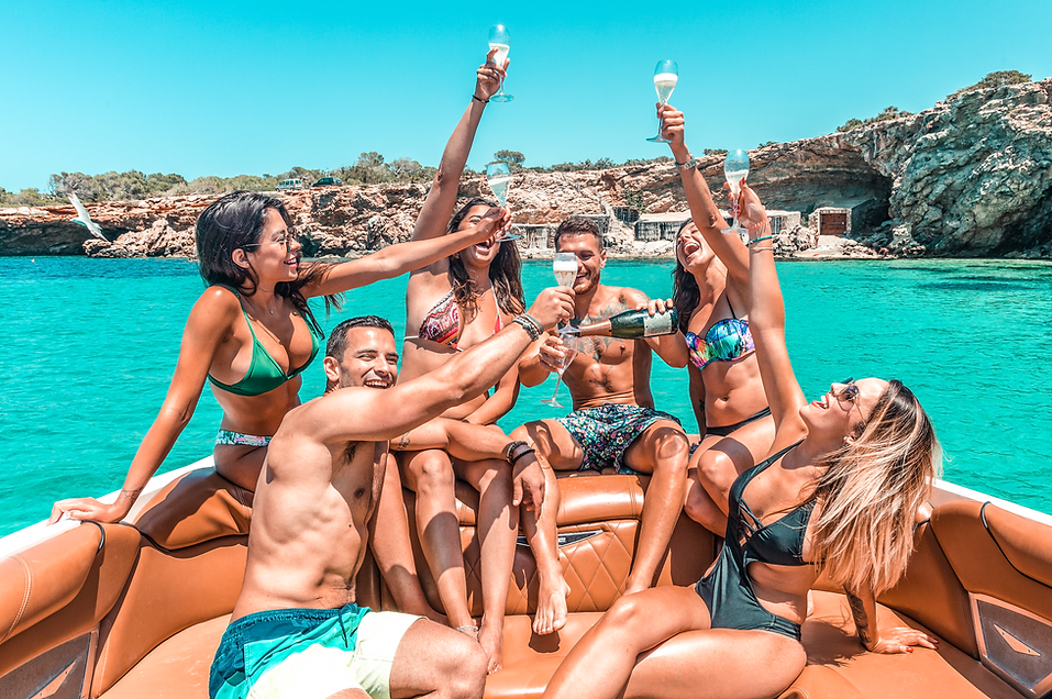 3381-private-bachelor-boat-party-in-ibiz