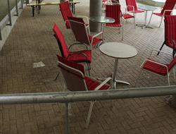 Research: Leere Sitzgruppen