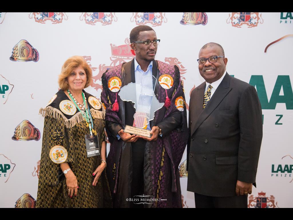03-lifetime-africa-achievement-prize-201