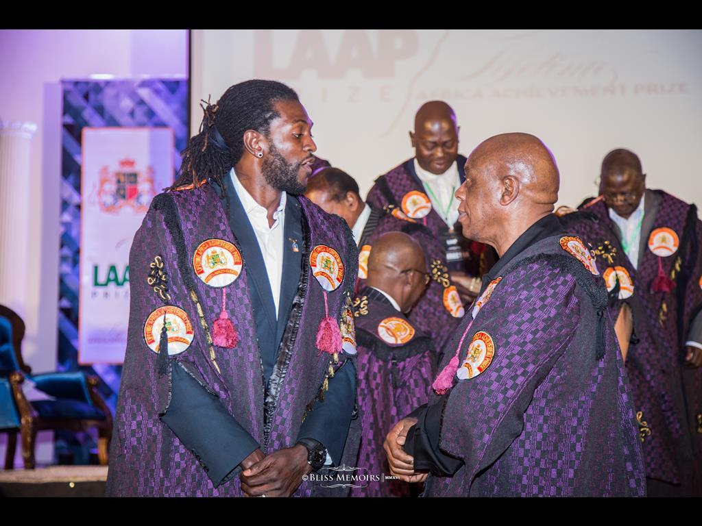 12-lifetime-africa-achievement-prize-201