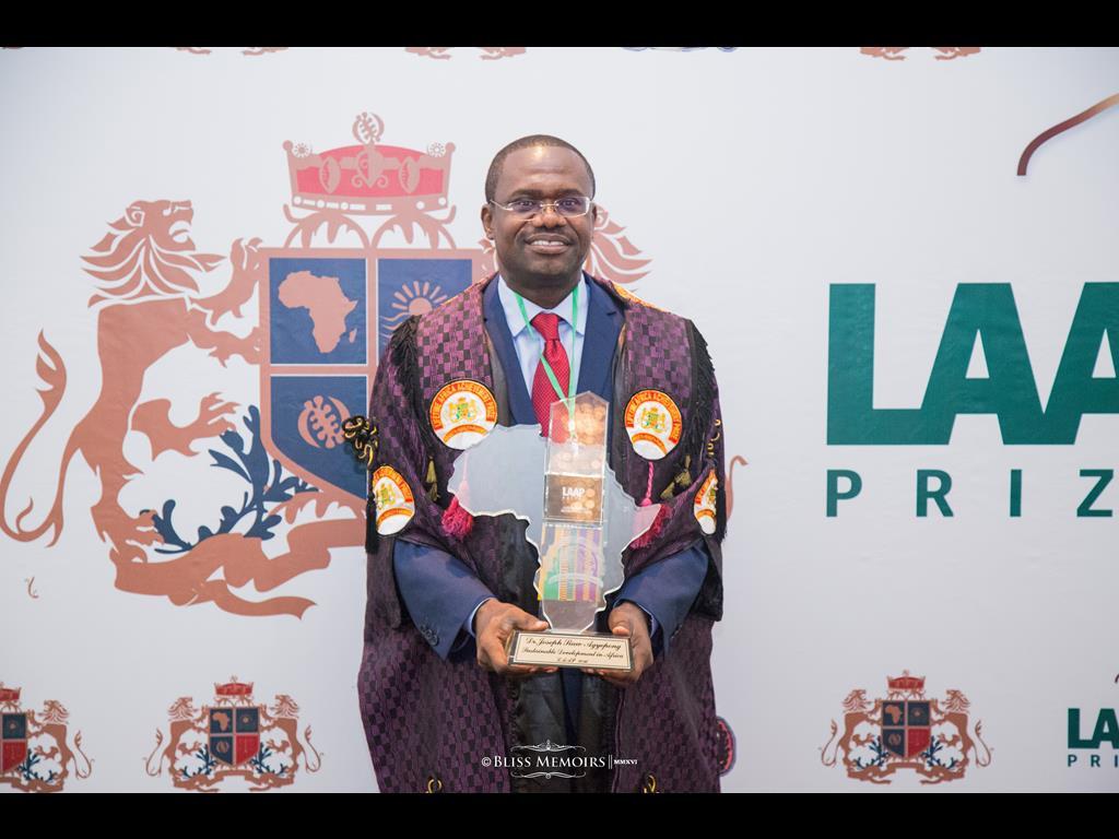 02-lifetime-africa-achievement-prize-201