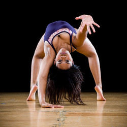 Ailayna upside down reach
