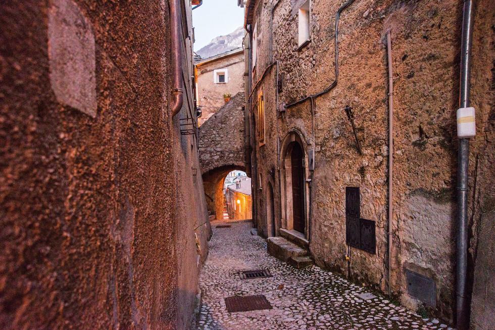 San Donato - Porta dell'orologio