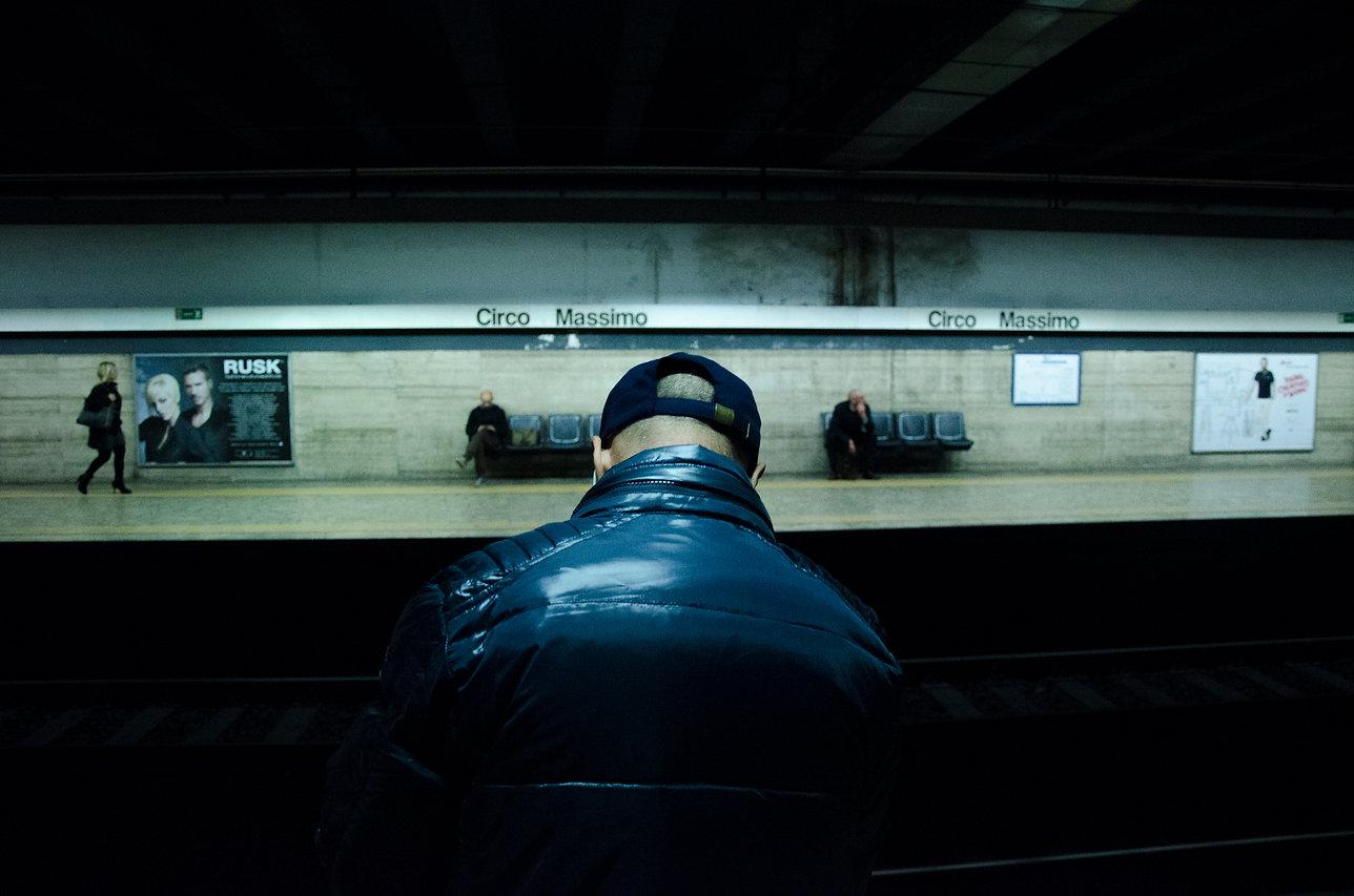 Street photography metro roma
