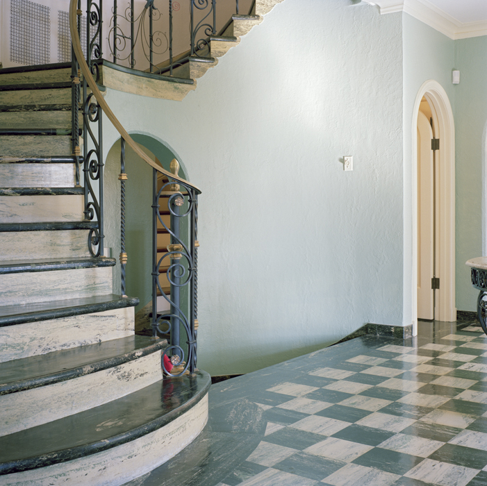 Entry Room & Staircase