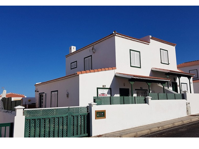 House for sale in Abades.jpg