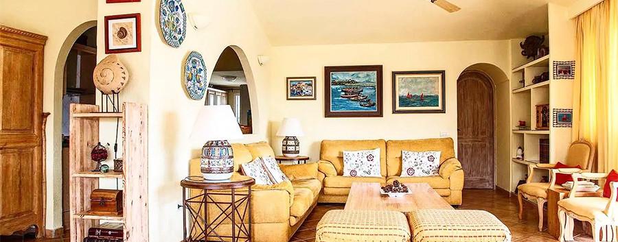 The living room.jpg